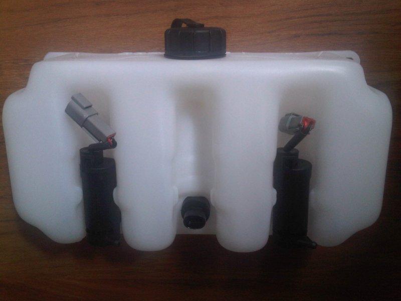 Zbiornik spryskiwacza + pompki